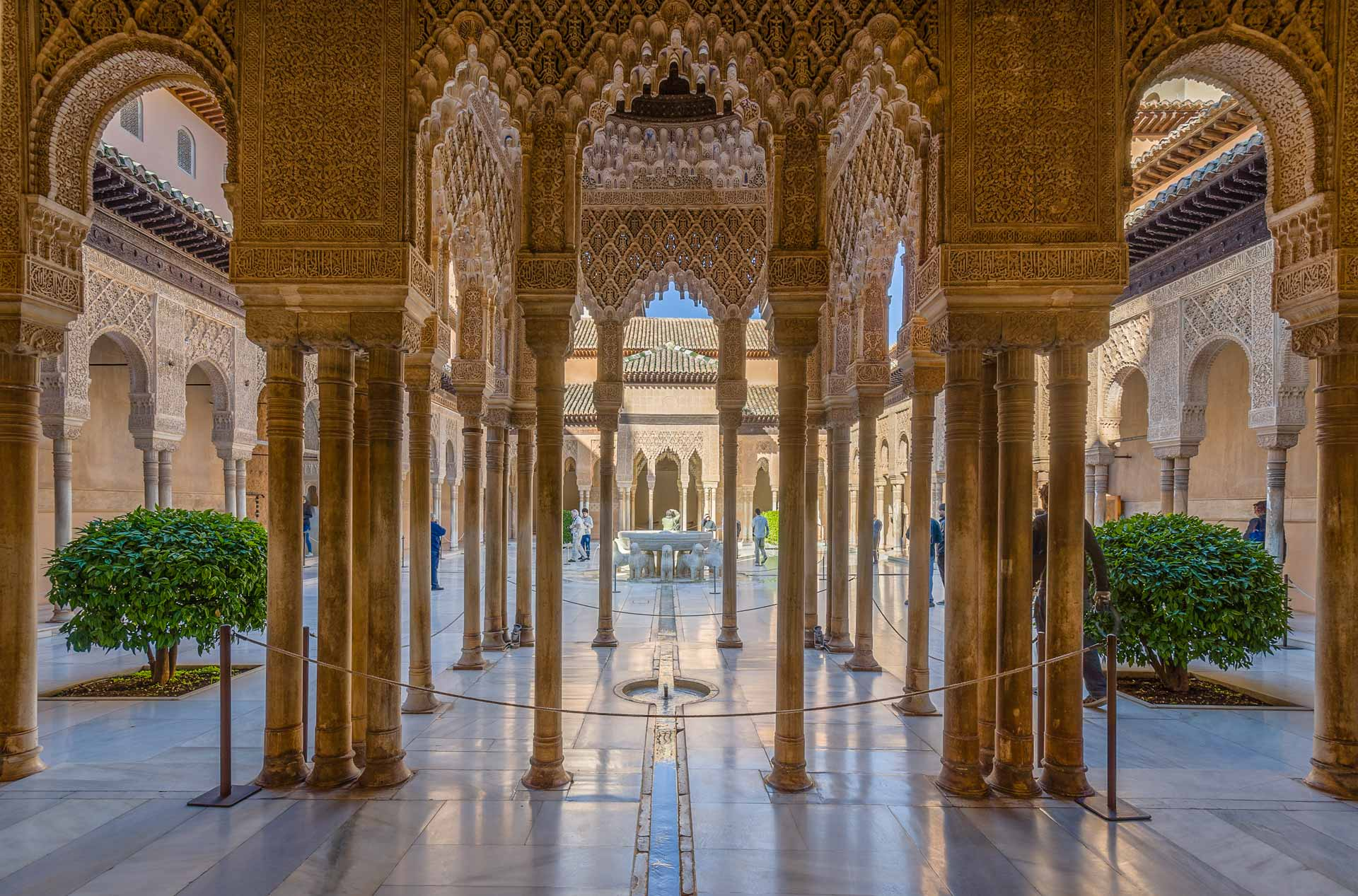 Small Tours For Alhambra