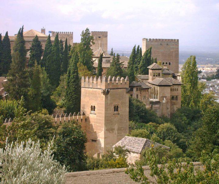 Free Alhambra areas - wanderlust Granda tours